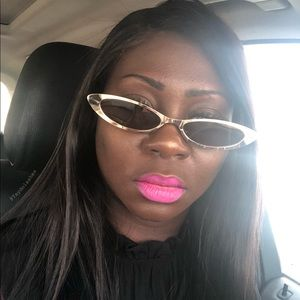 Slim oval metal sunglasses